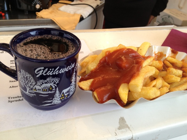 Gluehwein & curry wurst: perfect combinatino for cold winter days