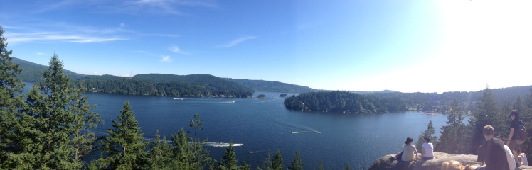 Quarry Rock hike in Deep Cove. Very easy hike up to the rock to see this beautiful view.